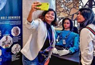 Hindistan Uzaya İki Dil Bilen Robot Gönderecek