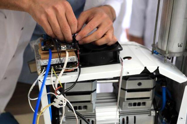 Lise öğrencileri, yarı fiyatına yerli solunum cihazı geliştirdi