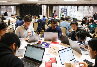 Ubuntu, Windows ve Chrome Çin'in En İyi Hackathon'unda Hacklendi