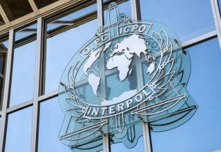 Interpol 500.000'den Fazla Şirketi Hedefleyen 3 Nijeryalı Dolandırıcıyı Tutukladı
