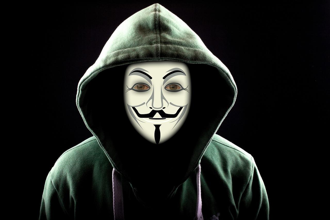 Beyaz şapkalı hacker