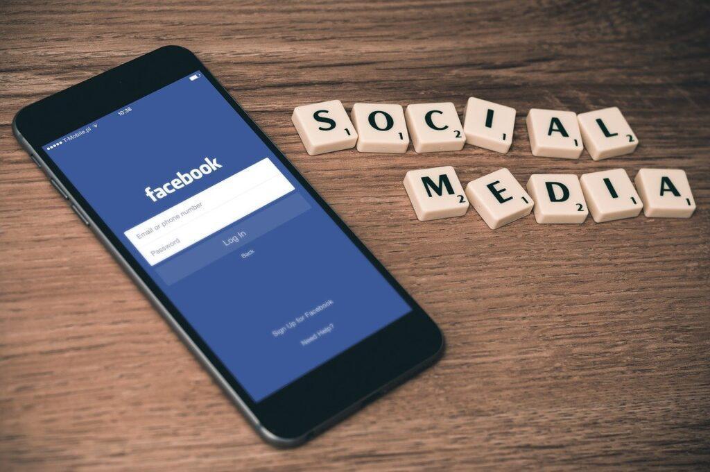 Telefondan Facebook videoları indirme