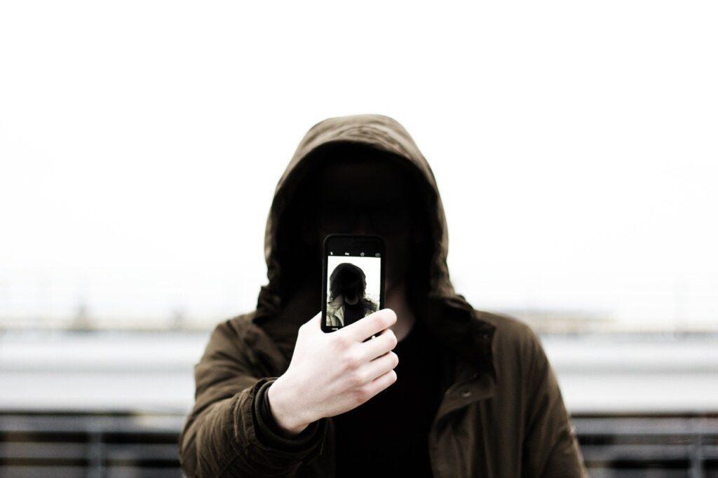 4G Telefonların Yarısı Telefonlarını Kullanmıyor !