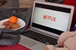 Netflix Şifre Paylaşımını Önlemeye Çalışacak !