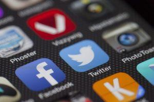 İnstagram ve Facebook'ta Beğeniler Nasıl Gizlenir?