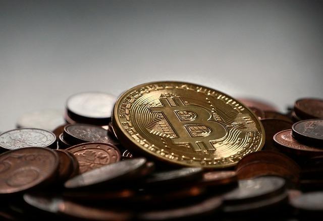 bitcoin 2007912 640